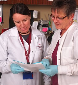 Two female doctors in the lab